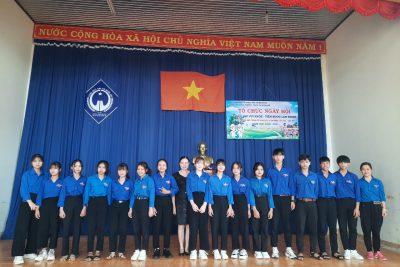 Lễ kết nạp Đoàn viên năm học 2020 – 2021